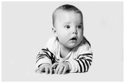Baby schwarz-weiß
