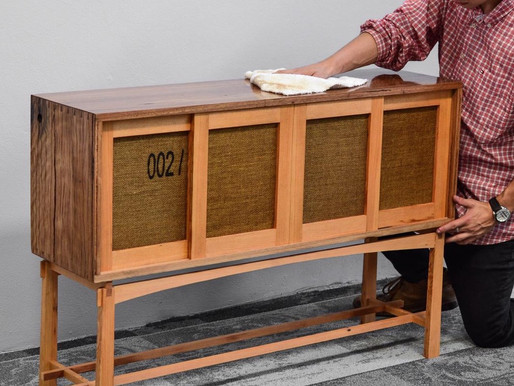 On Furniture Finishing - Lessons from the Fuzei Sideboard 002/