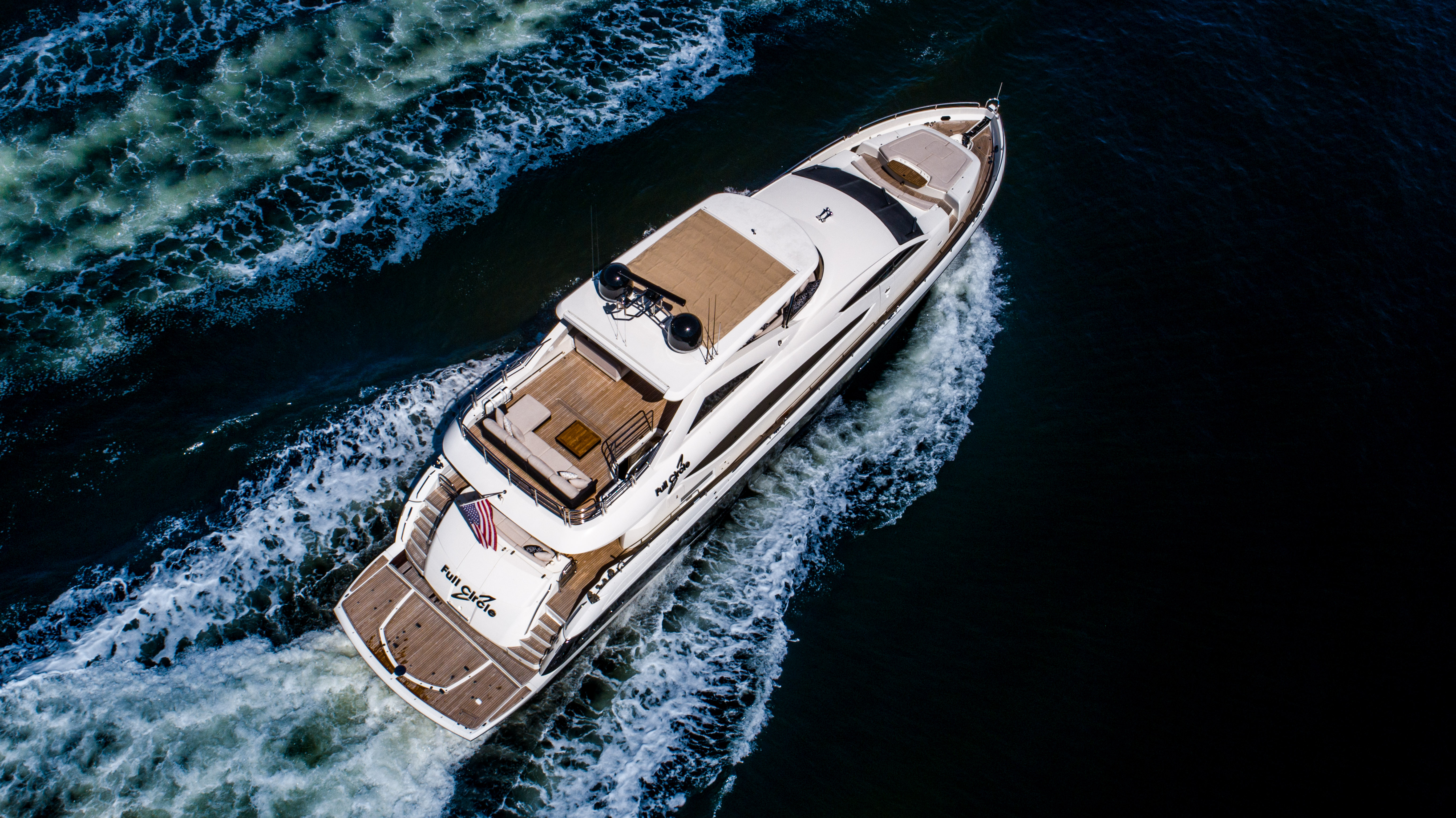88-2014-sunseeker-full-circle-08