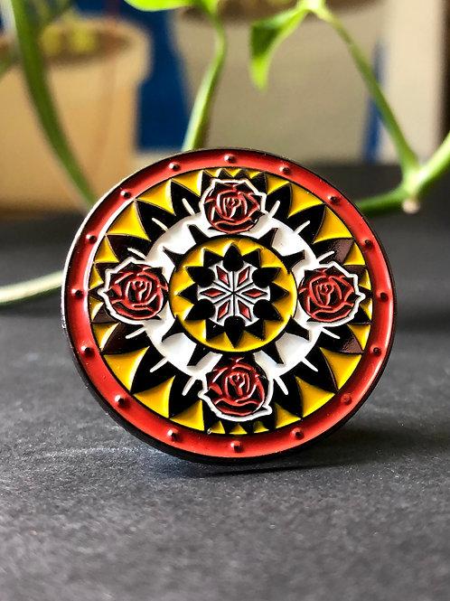 4 Roses Pin