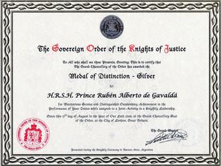 Le prince Rubén Alberto a été distingué par une médaille d'argent
