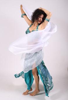 סדנת ריקוד עם צעיף