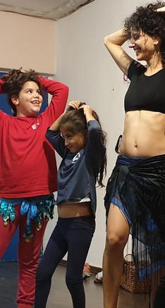 סדנת אמהות וילדות בריקודי בטן