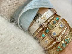 accumulation bracelets or et laiton