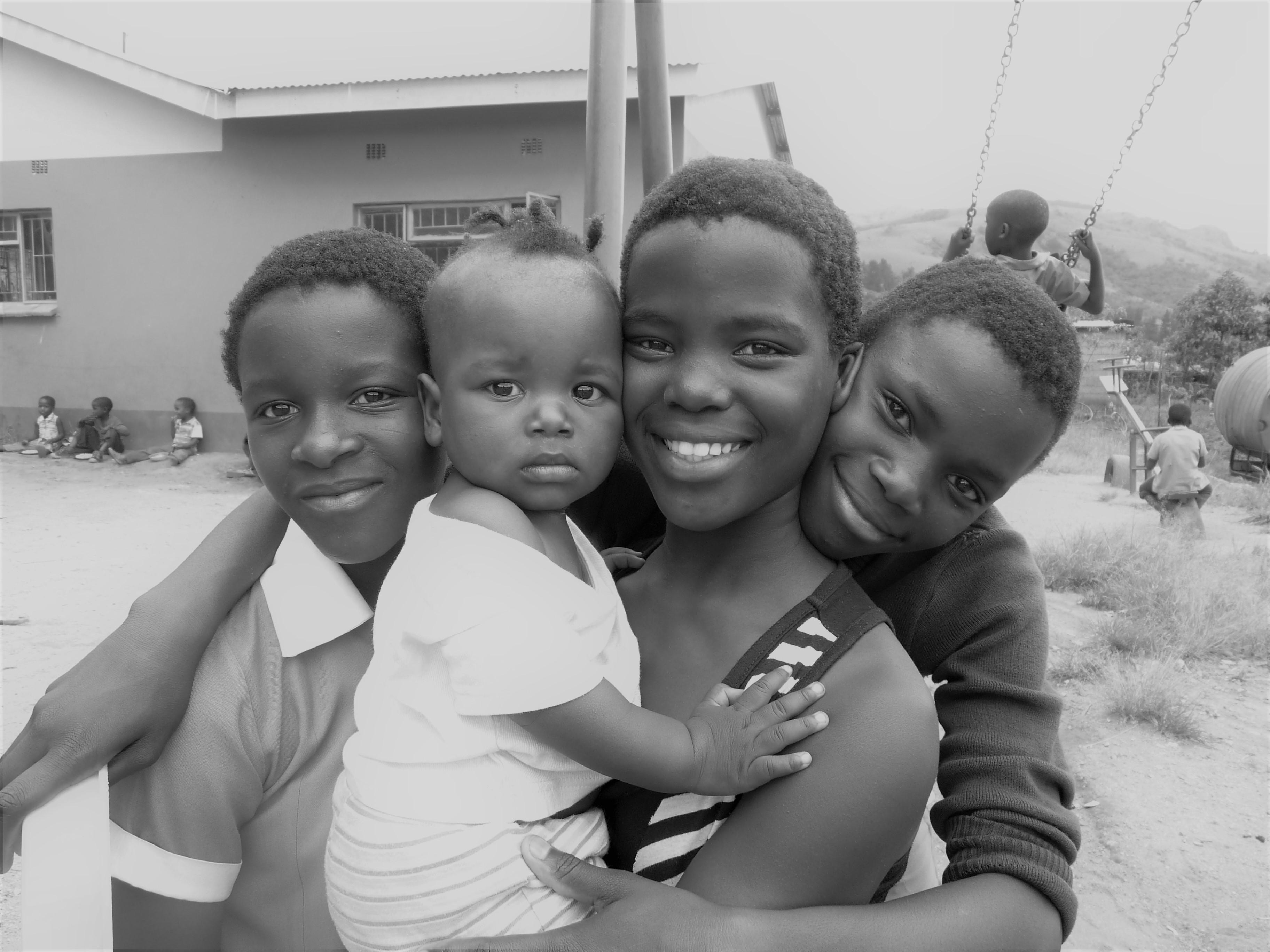 4 kids BW