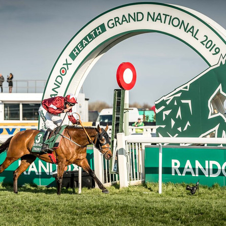 Grand National 2022 Experiences - Where to Stay for the Nation's Favourite Race