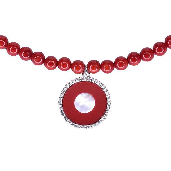 שרשרת חרוזים אדומים עם עיגול אדום