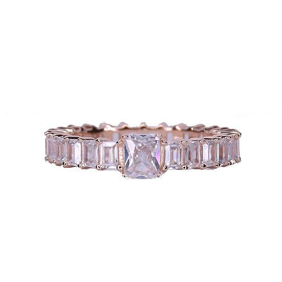 טבעת פס בגטים עם אבן מרכזית
