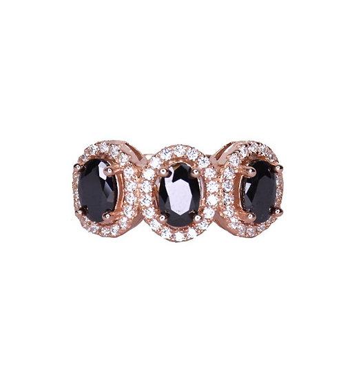 טבעת אבנים שחורות