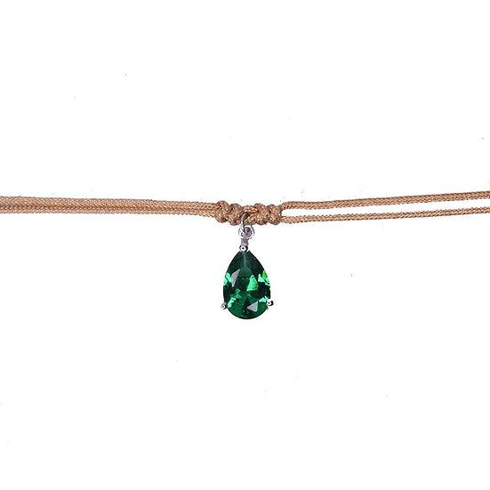 שרשרת חוט קאמל עם טיפה ירוקה