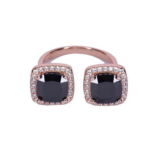 טבעת שני ריבועים אבני חן שחורות