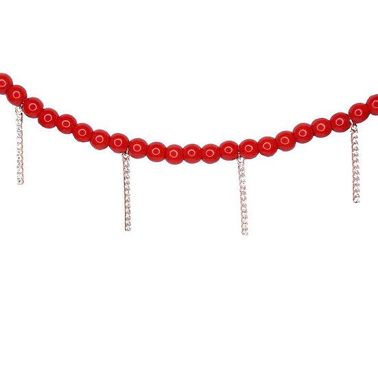 שרשרת חרוזים אדומים עם עמודים