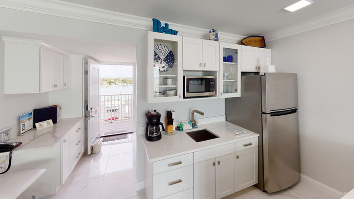 Island-Inn-518-Rescan-Feb-2021-Kitchen.j