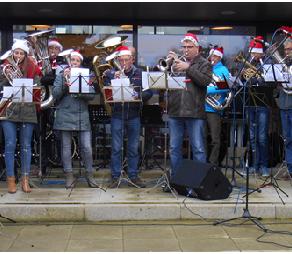 Brassband Speelde op de Kerstmarkt