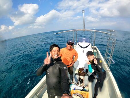 新しい船で快適ダイビング