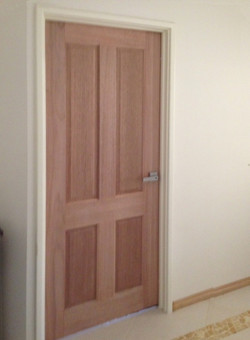 Colonial 4 Panel 820 Trident Entrance