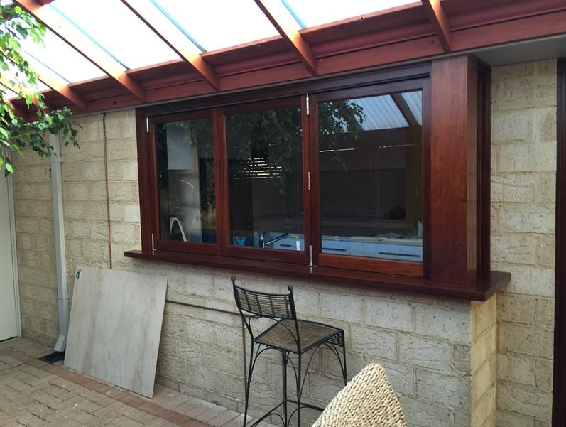 3 Sash Corner Folding Window.JPG