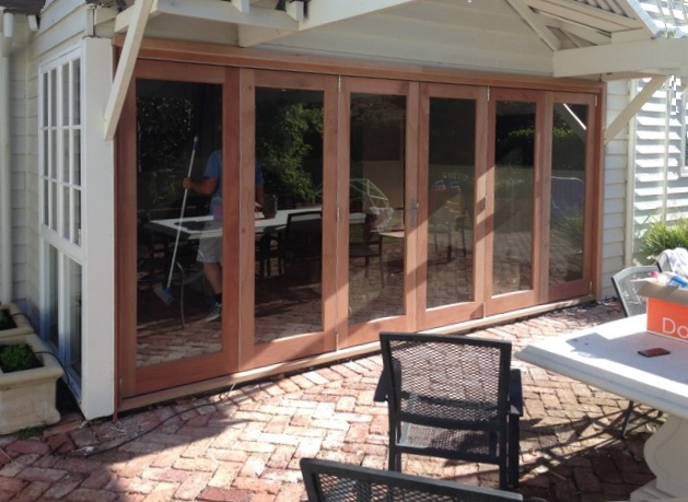 6 door bifold split 2135 x 4675 finished