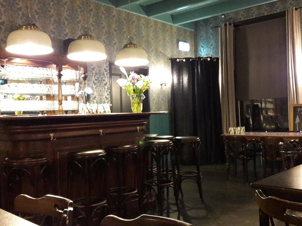 De oud Engelse bar in De Drie Pilaren
