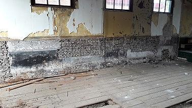 houten vloer in de zaal