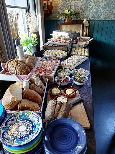 hapjes buffet in De Drie Pilaren