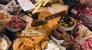 wijnproeverij met veel kaas