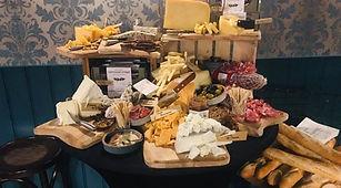 Wijn en heel veel kaas
