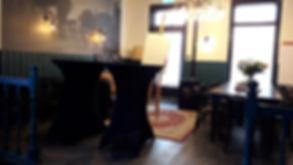 Staand of zittend vergaderen, De Drie Pilaren in Heerenveen / Oudeschoot / Friesland