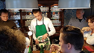 'Bij Jaccques | De Drie Pilaren' mag je op je feest zelf je eigen biertje tappen. Als je dat wilt.