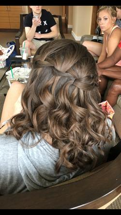 Bride wedding flowing hair
