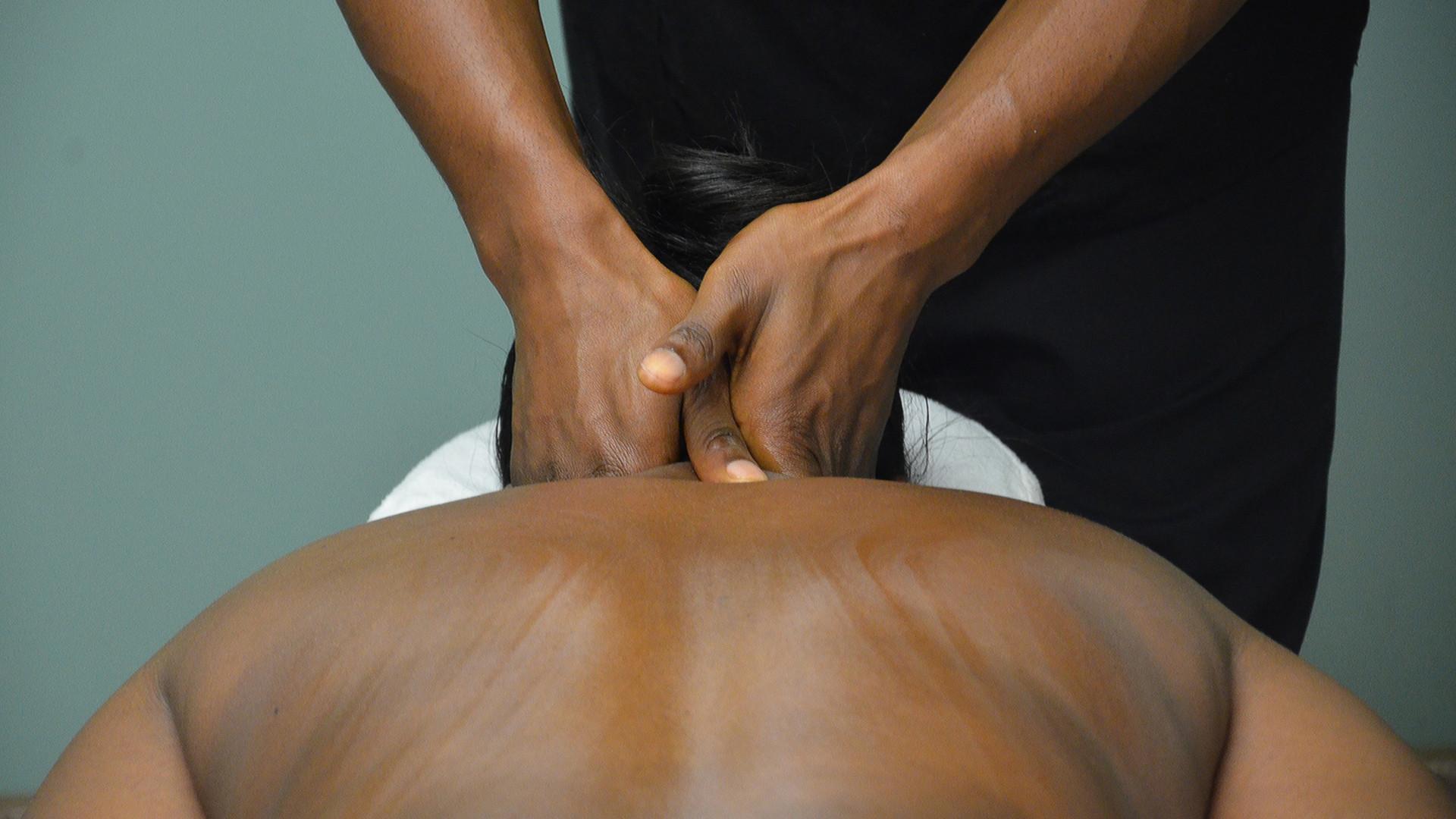 massage-2333202.jpg