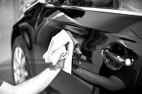 Carrosserie des Berges Sion Valais débosselage alternatif voiture coup de porte impact de grêle