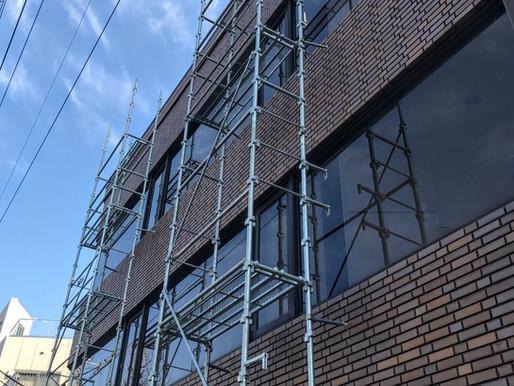 ビルの開き窓を簡単リフォーム