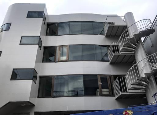 ビルの高所ガラス修理