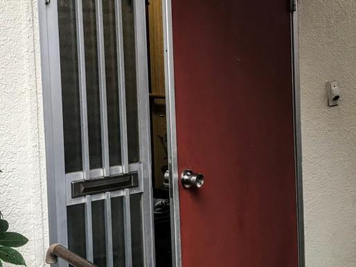 リクシルのリシェントで玄関ドアが生まれ変わりました