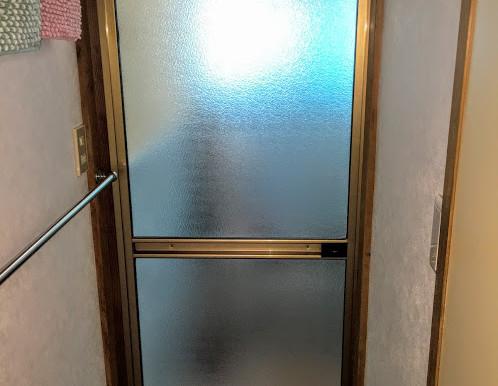 浴室ドアの交換