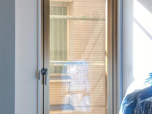 開き窓をカバー工法で改修