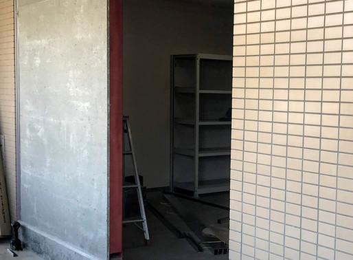 鉄のドアを新設しました