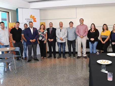 Gazen e SENGE capacitam profissionais com curso de licitações para obras e serviços de engenharia