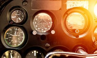 Cockpit avion.jpg