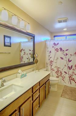 upstrs bath