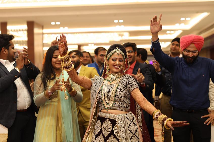 Akash + Shruti|KIARAA Banquet|Thane