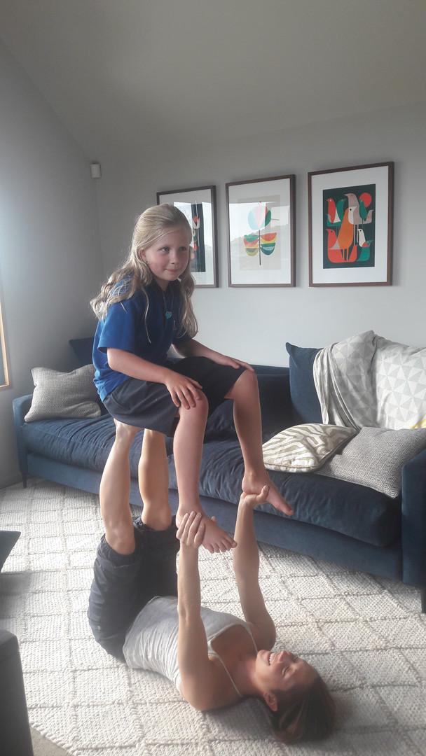 La chaise - acroyoga enfant