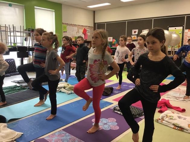 yoga 7-8 ans - école