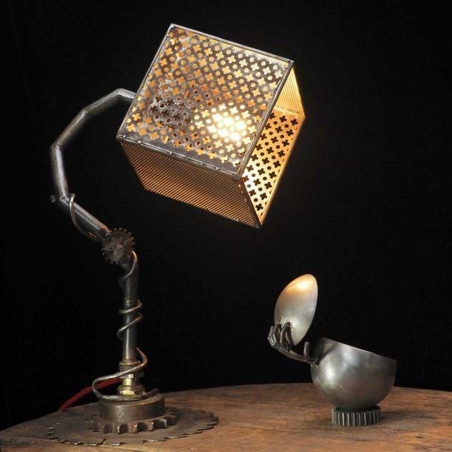 Lampe_indus_Mouche.jpg