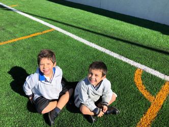 Infantil en el campo de fútbol