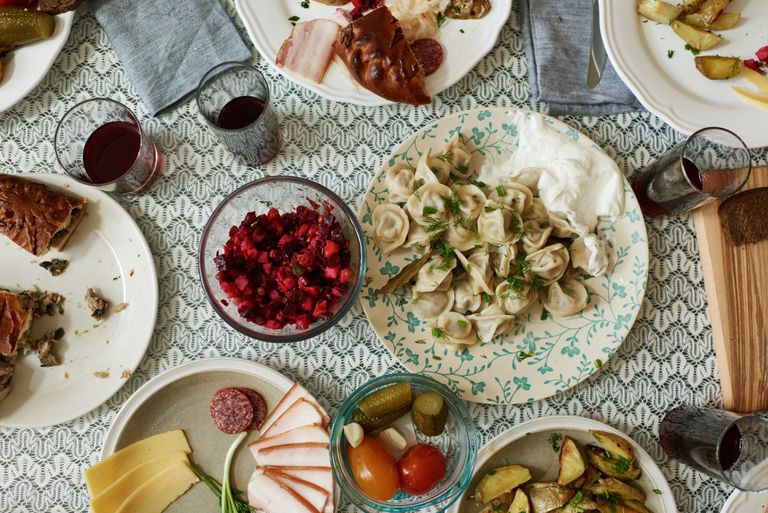 dining-table-with-russian-dishes-6883525
