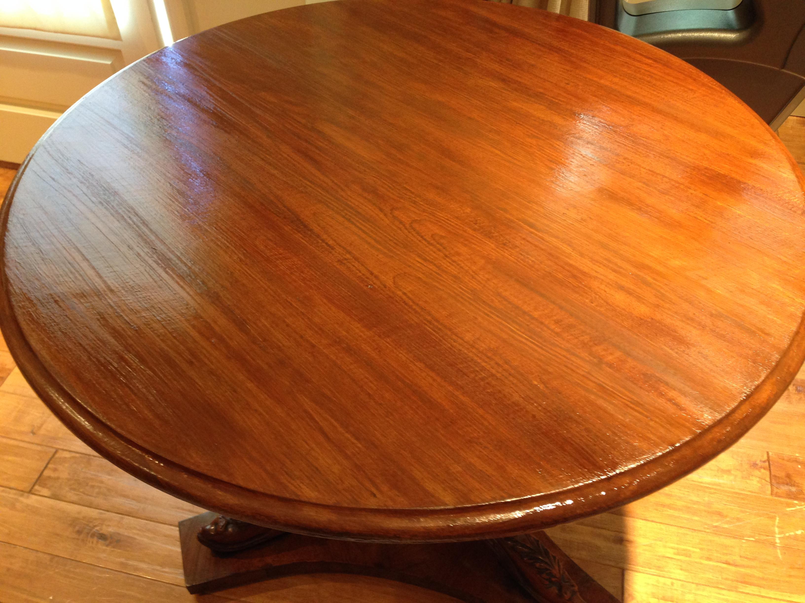 wood grain tabletop