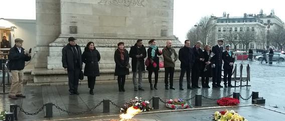 ravivage Flamme Arc de Triomphe 2017.jpg
