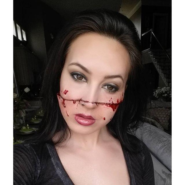Slit Face Makeup